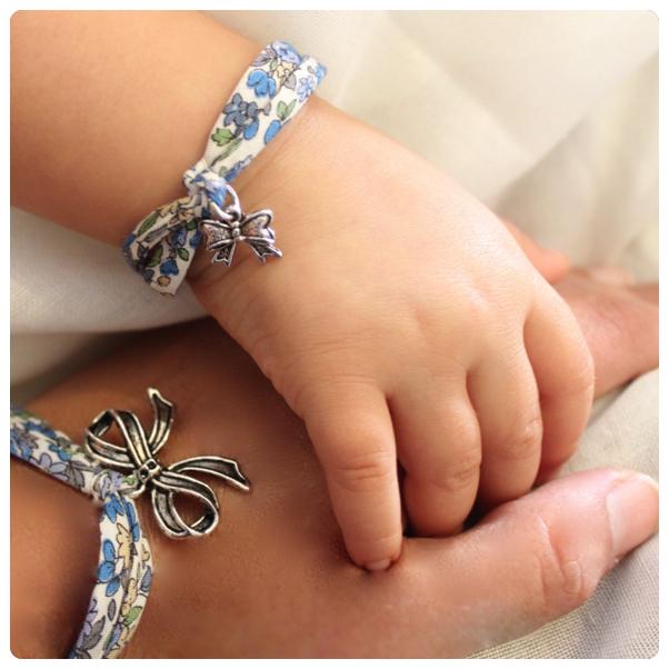 bijoux maman,bracelet fete des meres,bracelet maman, bijoux maman fille,bracelet maman bébé, bracelet fait main, bijoux fait main, bijoux liberty,bracelet ete, bracelt maman bébé, bijoux maman fille